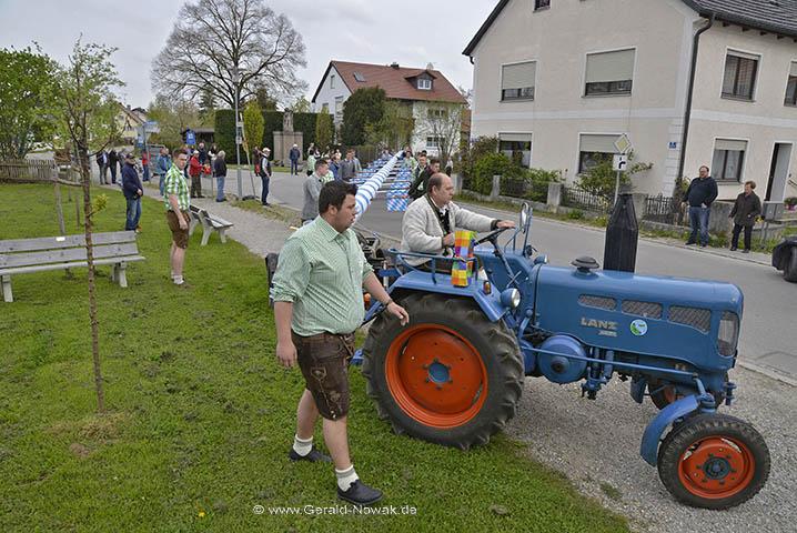 Maibaumaufstellen Burschenschaft Landsberied Mai 2016